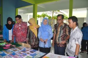 Mahasiswa Prodi Pendidikan Biologi Unjuk Kreatifitas melalui Pameran Media.
